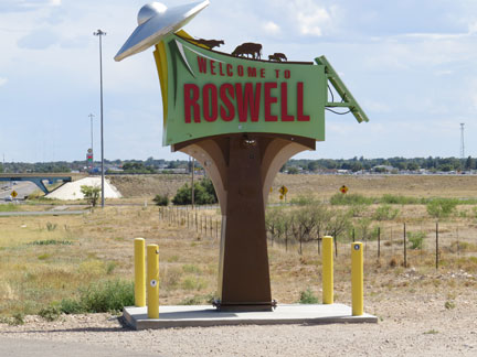 roswell welcome sign